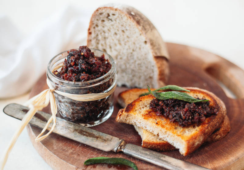 Bourbon Bacon Jam with Dark Fruits
