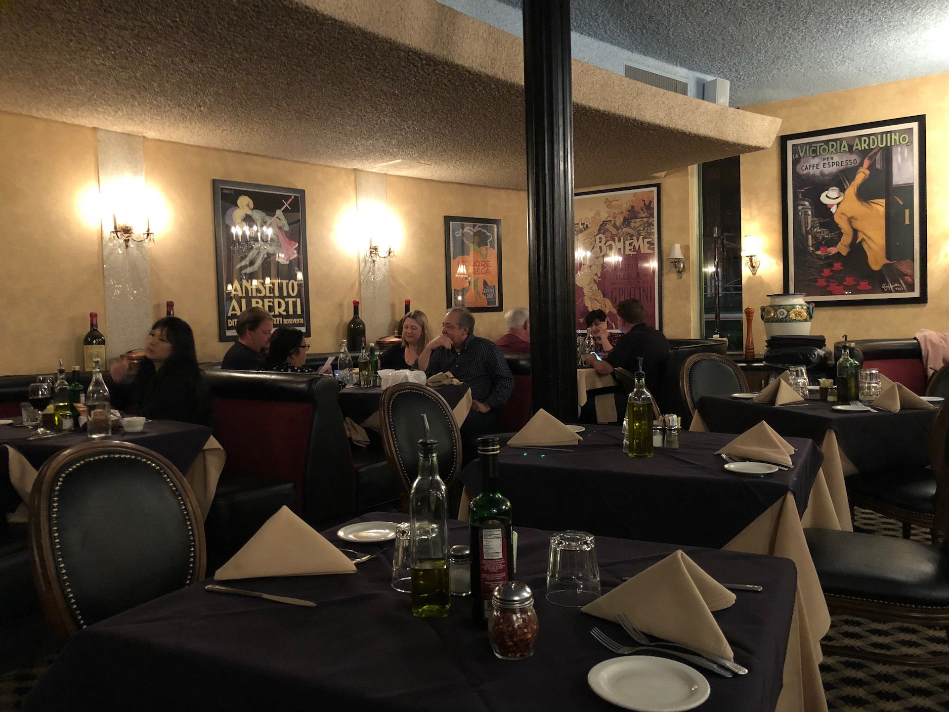 Celebrity Dining: The legendary Bertolucci's just off 101 in South San Francisco has been around since 1929 and still sees several hundred diners on any given night.