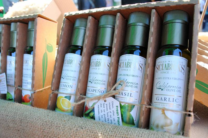 Olive oil gift boxes from Sciabica.