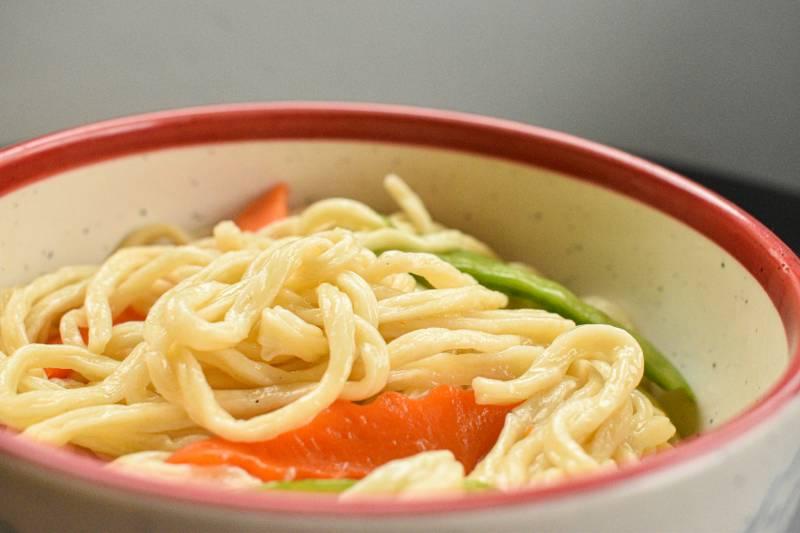 Bowl of yi mian