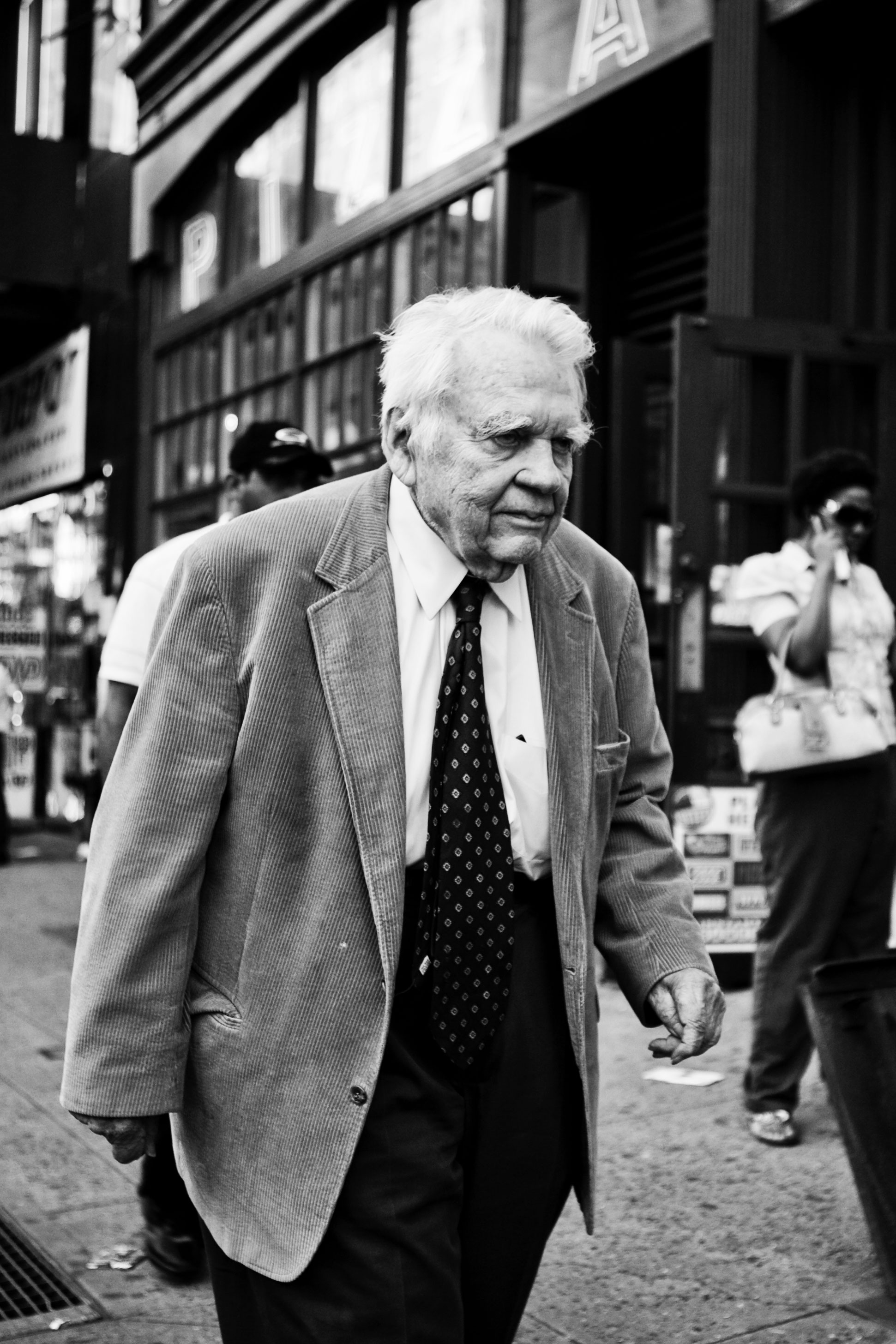 Andy Rooney, the CBS News Correspondent, died following complications from minor surgery. (Flickr: Stephenson Brown)