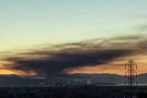 Smoke from the Chevron refinery fire blanketed Richmond and surrounding communities Monday night. (Jeremy Brooks: Flickr
