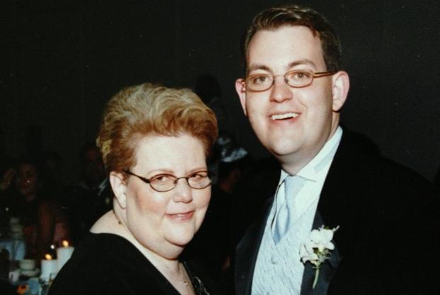 Charles Ornstein with his mother Harriet Ornstein on his wedding day. (Randall Stewart, photo courtesy of Charles Ornstein)