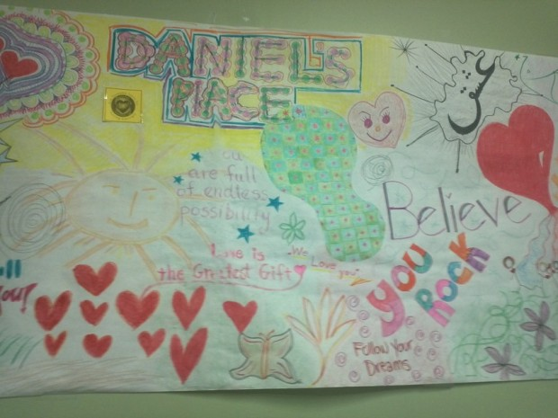 Young people with mental health needs find help through art therapy at Daniel's Place, a drop-in center in Santa Monica. (Elaine Korry/KQED)