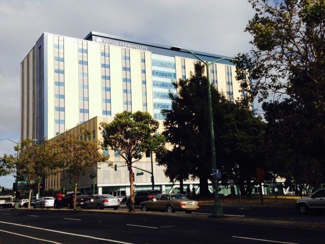 Kaiser Permanente's newly opened medical center in Oakland. (Lisa Aliferis/KQED)