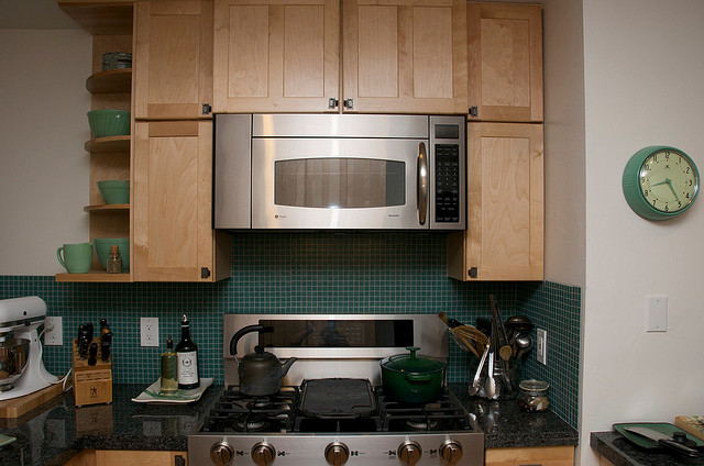 Does Your Range Hood Suck? Cooking Spikes Indoor Air Pollution