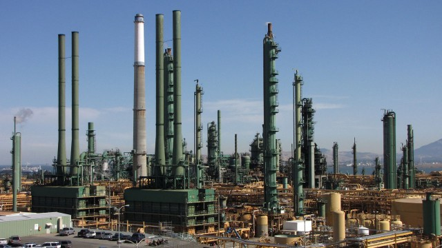 The Valero refinery in Benicia refines about 165,000 barrels of oil a day. (Craig Miller/KQED)