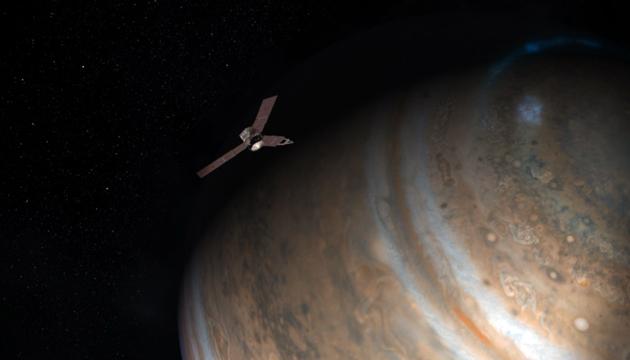 Artist concept of NASA's Juno spacecraft at Jupiter