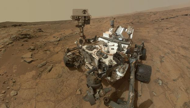 NASA's rover Curiosity in Gale Crater on Mars