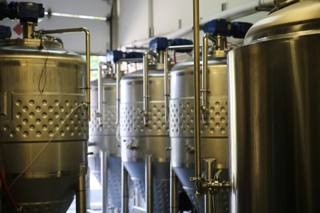 Yeast propagation tanks