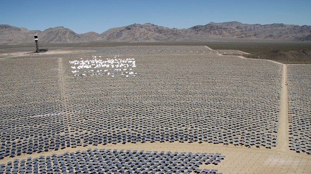 The Ivanpah solar project in the Mojave Desert, the largest solar farm in the world. (Lauren Sommer/KQED)