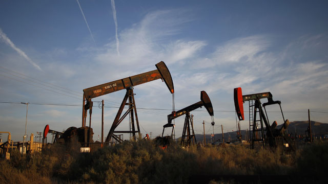 Pumpjacks draw oil out of the Monterey Shale near McKittrick, California. (Photo by David McNew/Getty Images)