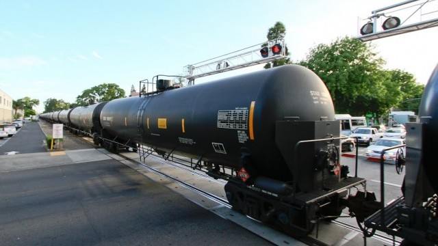 Environmentalists Sue Over Crude-by-Rail Safety