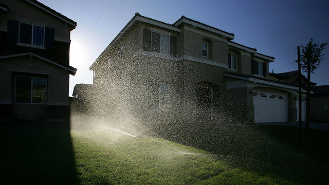 Poll: Californians favor mandatory water restrictions by a 3-to-1 margin. (David McNew/Getty Images)