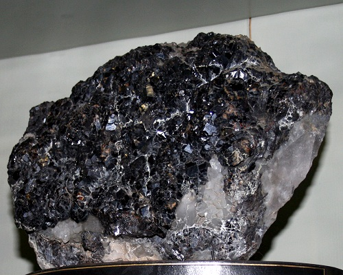 A Simple Mineral Has Geochemical Power That Helps Spark Life