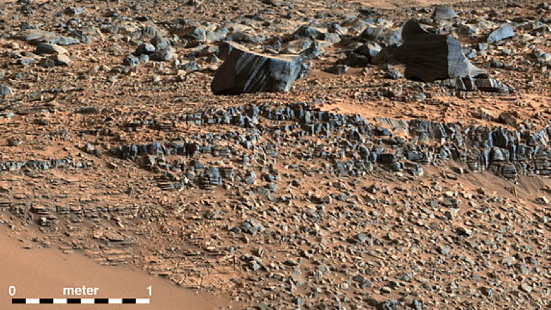 "Rock strata exposed along the margins of the valleys in the ""Pahrump Hills"" region on Mars. (Curiosity/NASA)"