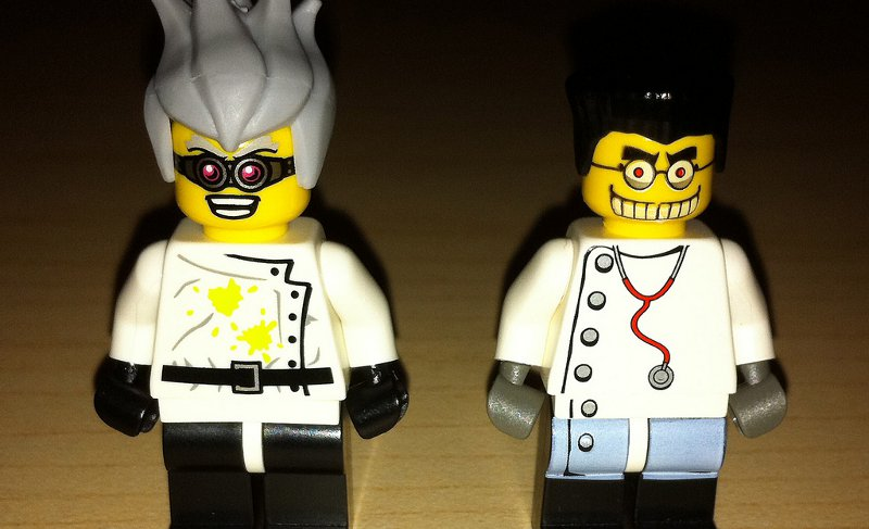 No wonder the public doesn't trust scientists.  Who'd trust these guys? (Wiredforlego)