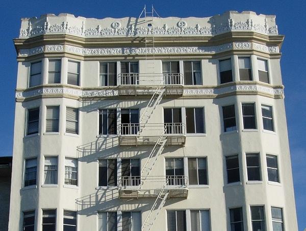 Classic Oakland apartment building