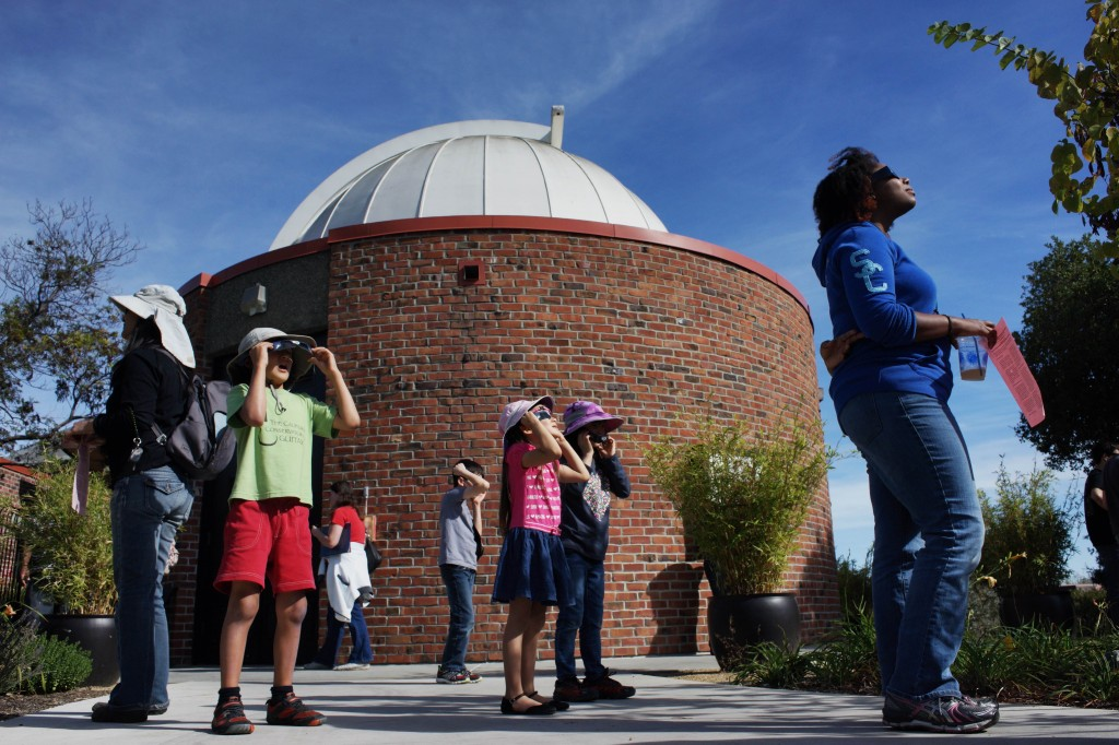 Watching Thursday's solar eclipse from Foothill College in Los Altos. (James Tensuan/KQED)