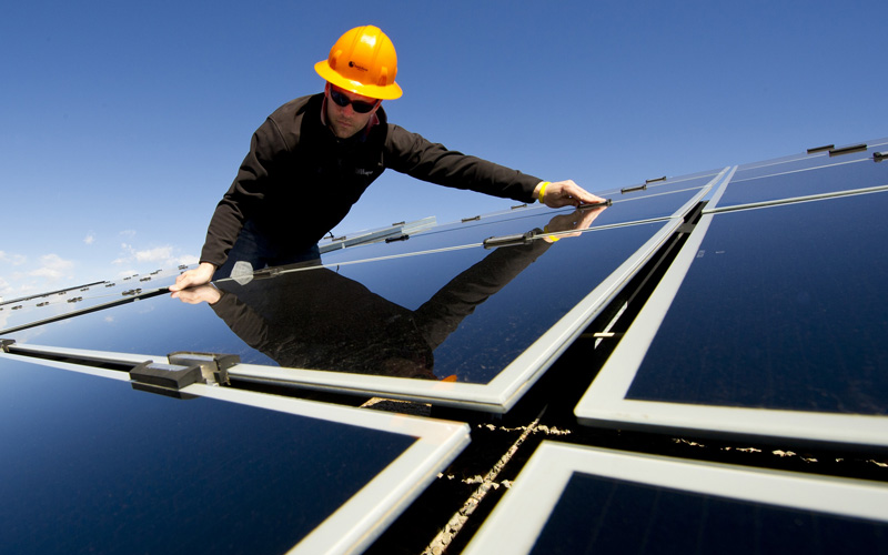 Solar companies worry that newly proposed electricity rates from California utilities will make it less appealing for Californians to install solar panels. (Dennis Schroeder/Department of Energy)