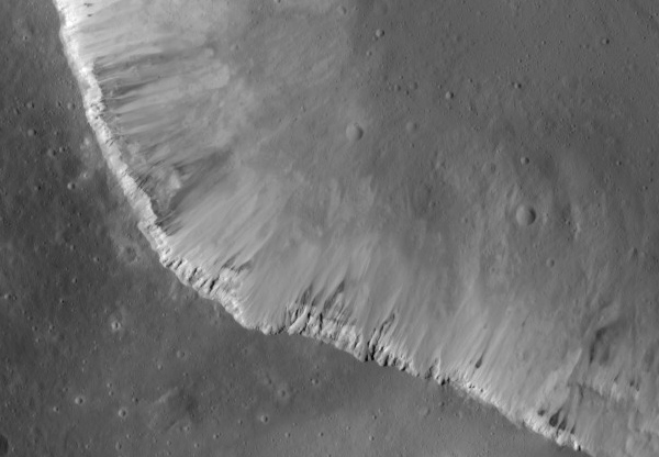 Linear gullies on Vesta