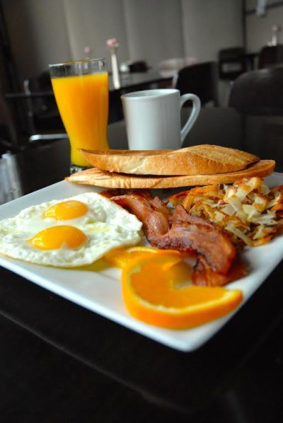 Brunch is one of the most popular meals in San Francisco restaurants, but longer meal times and large portions may encourage diners to over eat.