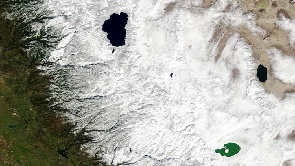 California's Huge Snow Season Continues, as Satellite Images Show Its Progression