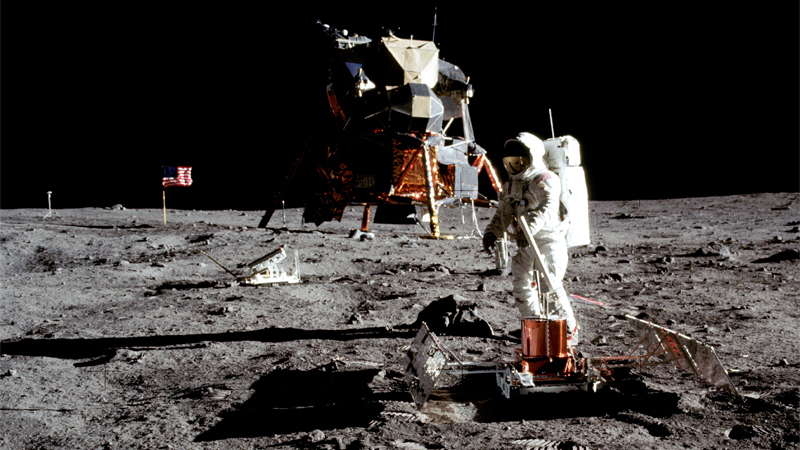 How We Made It to the Moon With Less Powerful Computers Than You Carry In Your Pocket