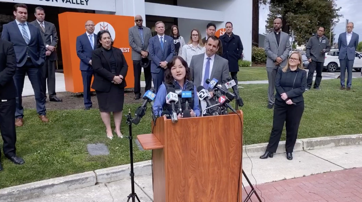 Second Harvest Silicon Valley CEO Leslie Bacco speaks at a press conference March 18, 2020 announcing a new initiative to, among other things, alleviate food insecurity during the Coronavirus pandemic.