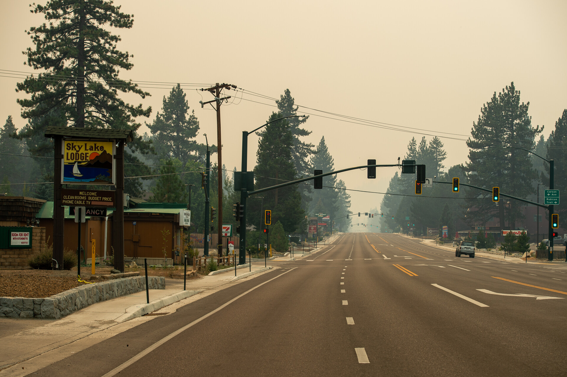 Lake Tahoe Blvd in South Lake Tahoe is mostly empty, after evacuees waited hours to leave the area.