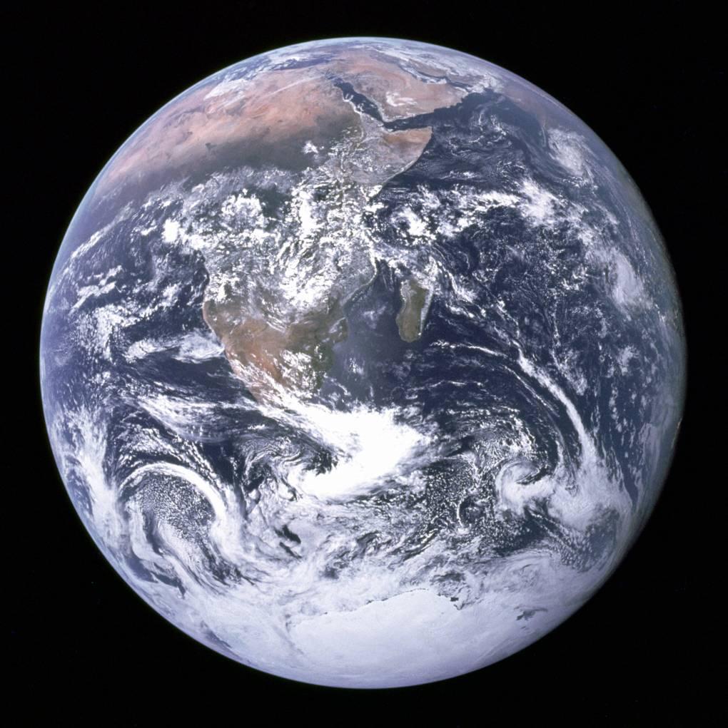 Apollo Earth photo