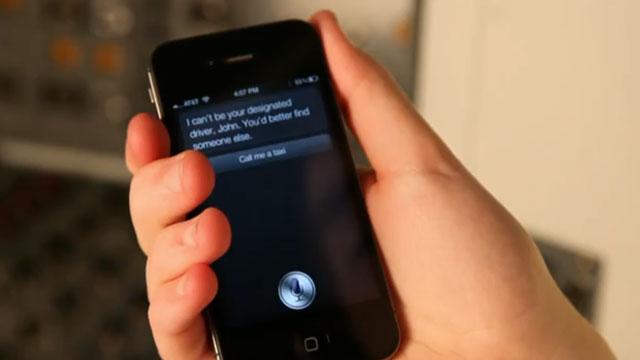 Siri-aPhone4U-640