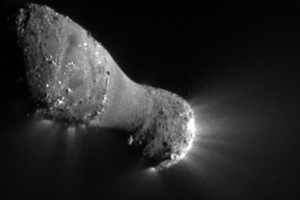 Comet Hartley 2 During NASA/EPOXI Flyby