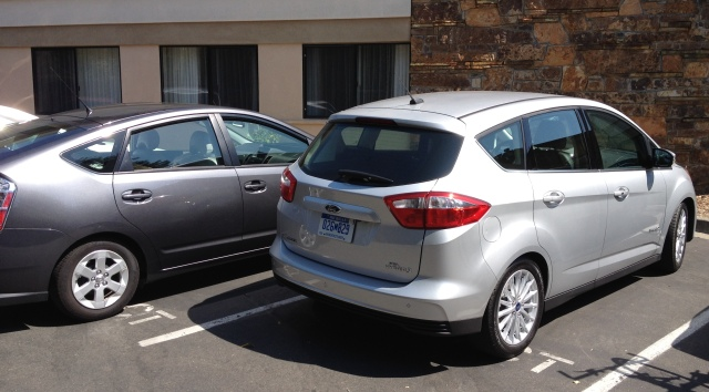 Ford C-Max vs Toyota Prius