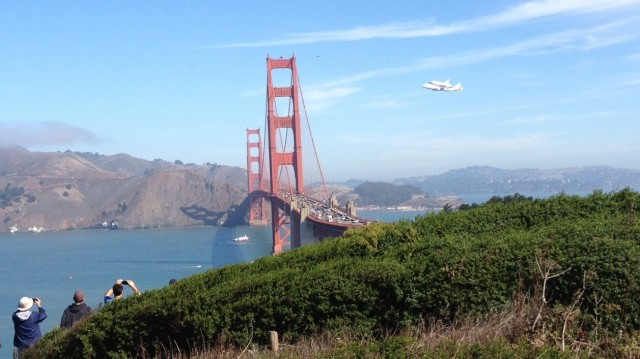 Space Shuttle Endeavour Makes a Bay Area Victory Lap