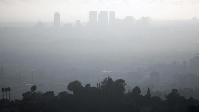 Smog in LA (GABRIEL BOUYS/AFP/Getty Images)