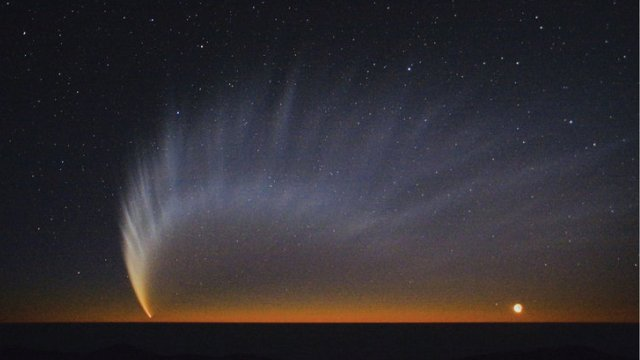Comets May Have Delivered Life's Early Building Blocks