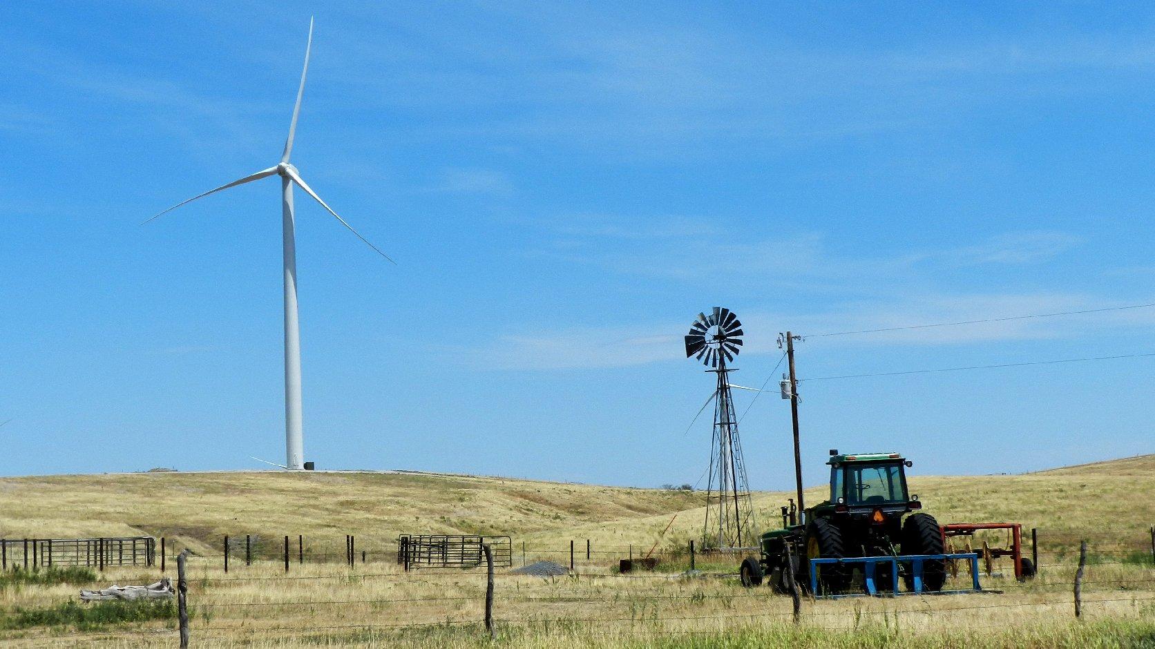 Wind Energy And Wildlife Nebraska Strives For Coexistence Quest Power Brokenbow1 A Turbine