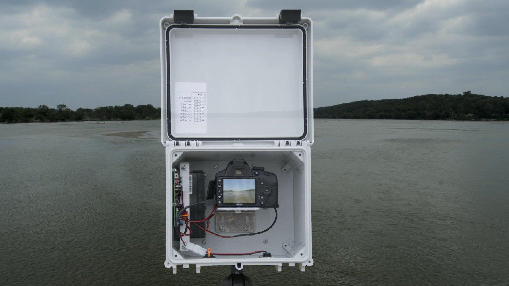 Timelapse camera and Missouri River