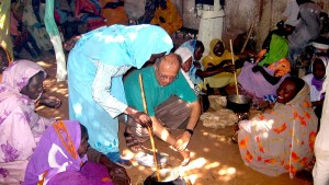 Engineer Ashok Gadgil visited Darfur in 2005 to consult with Darfuri women about their cooking methods.<br /> Courtesy Lawrence Berkeley National Laboratory.