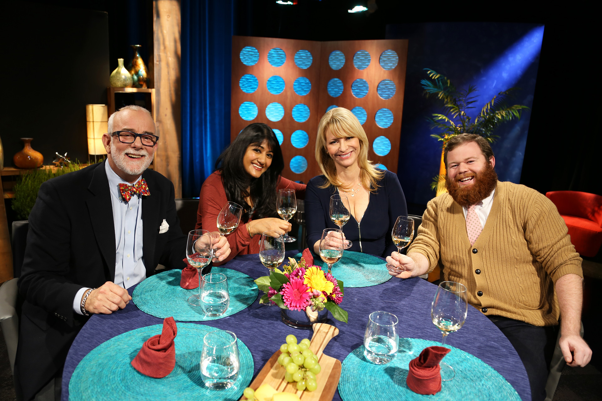 Host Leslie Sbrocco and guests on the set of the episode 4 of season 11.