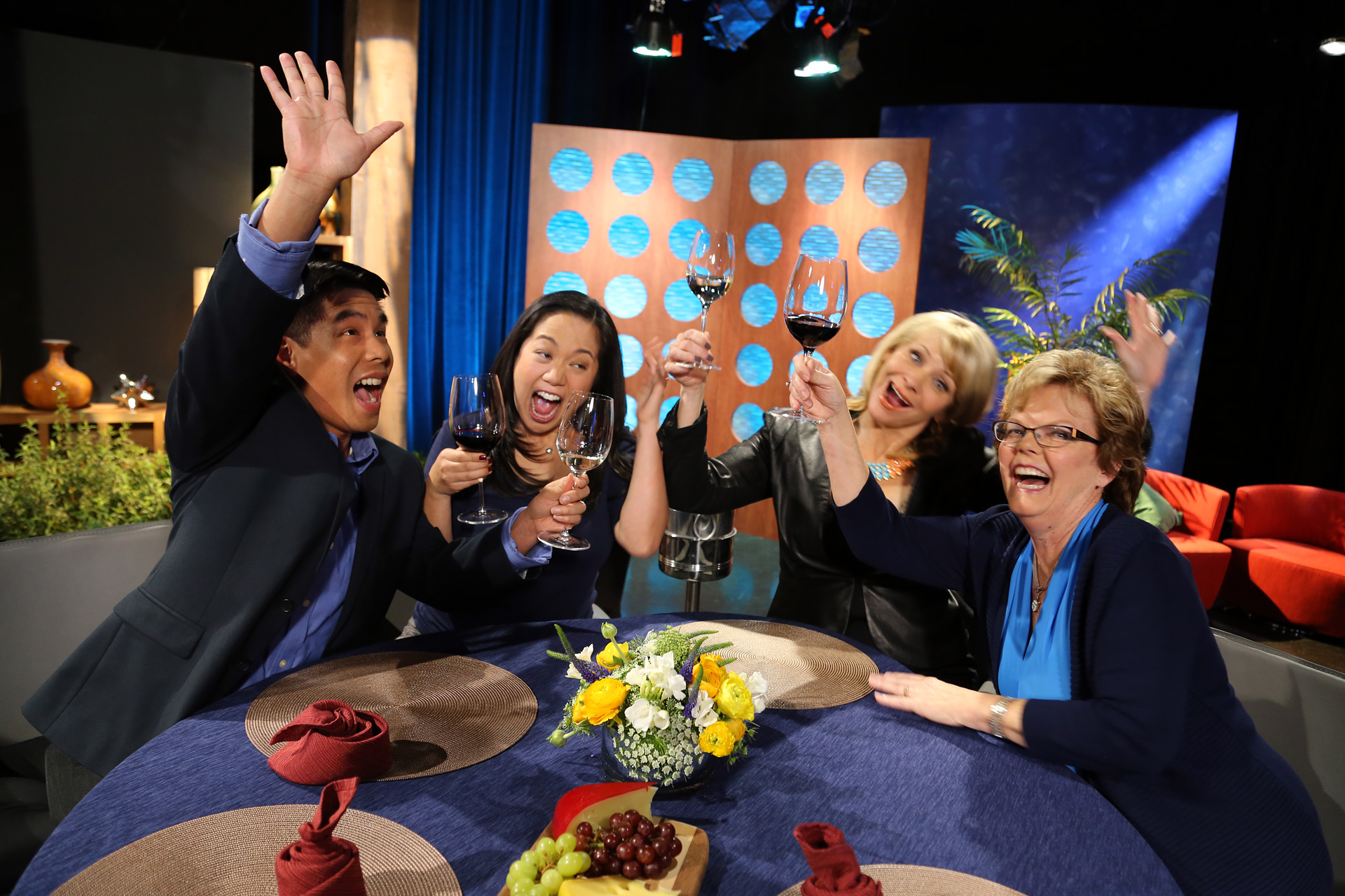 Host Leslie Sbrocco and guests having fun on the set of the episode 7 of season 11.