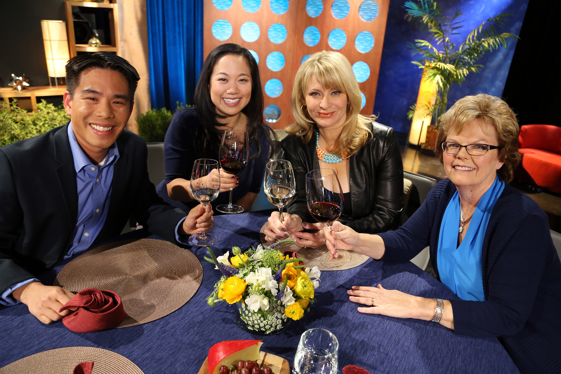 Host Leslie Sbrocco and guests on the set of the episode 7 of season 11.