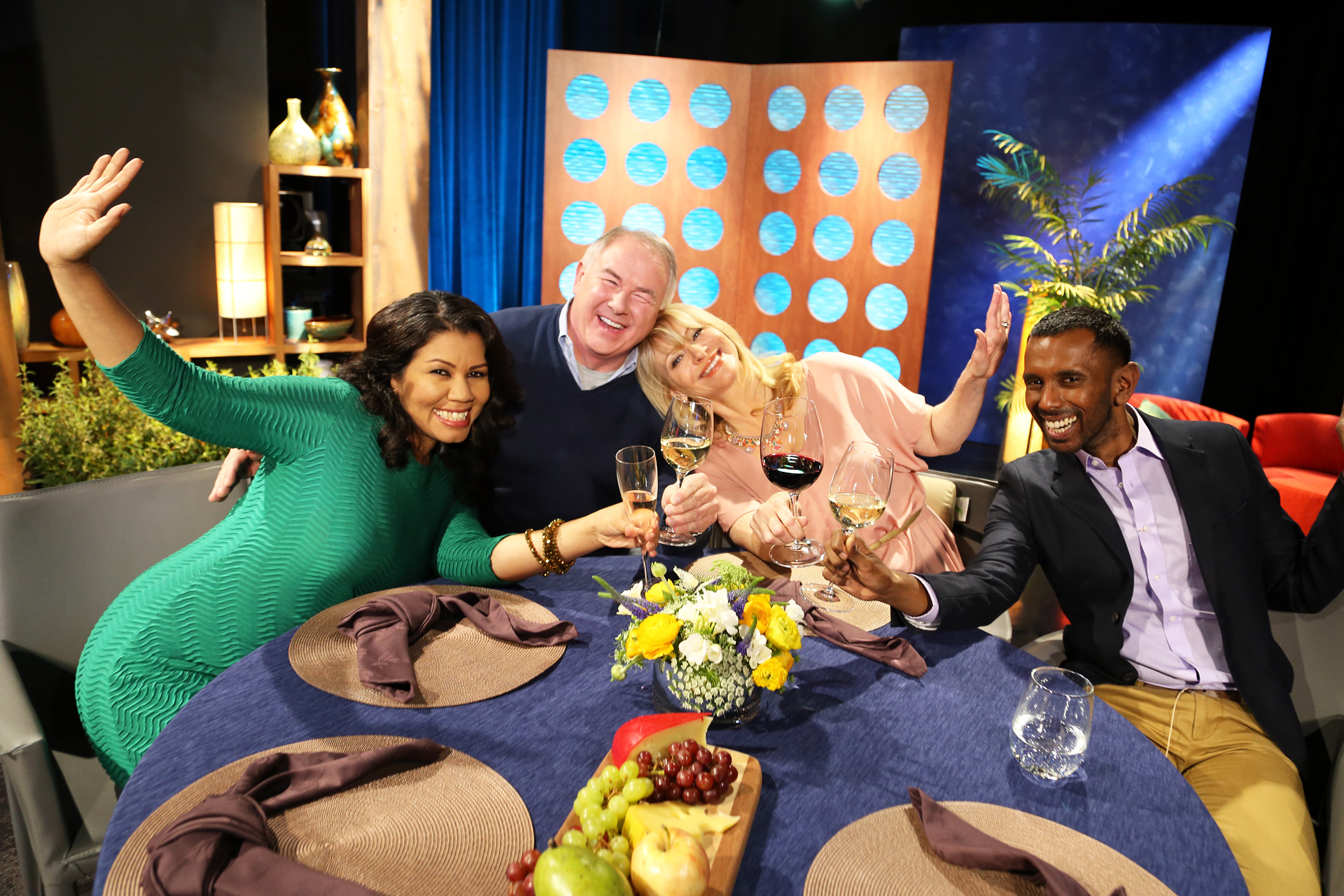 Host Leslie Sbrocco and guests having fun on the set of the episode 8 of season 11.