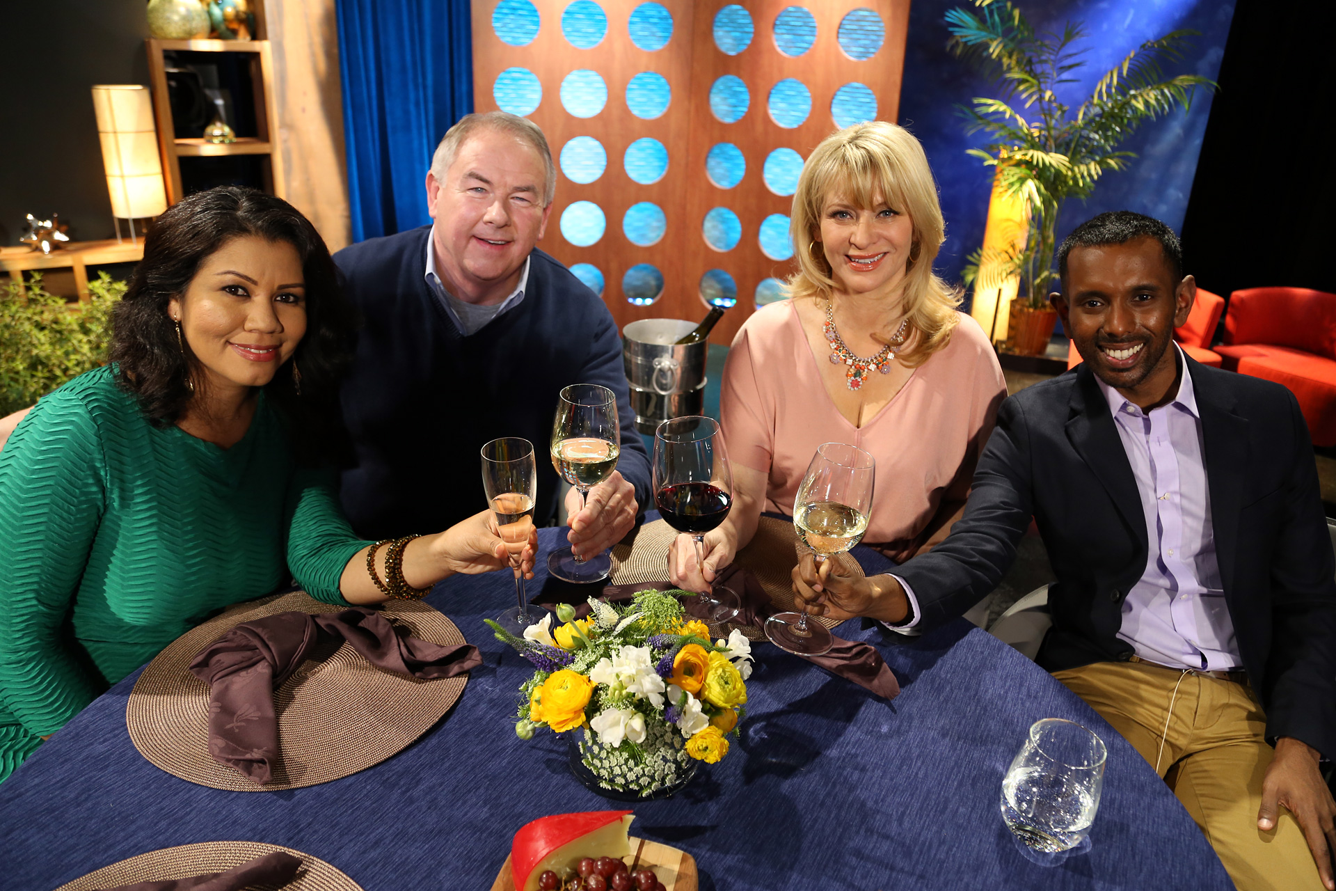 Host Leslie Sbrocco and guests on the set of the episode 8 of season 11.