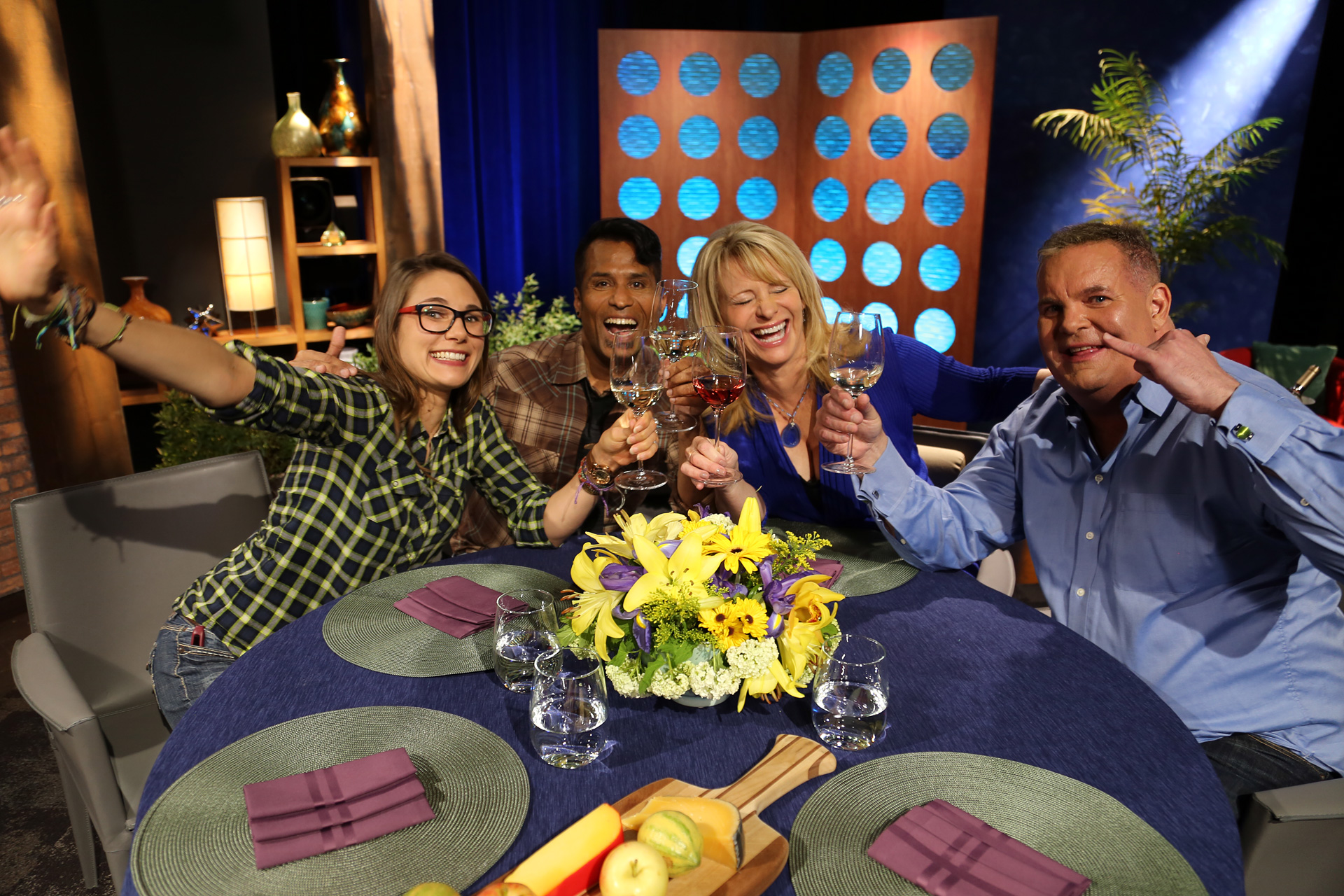 Host Leslie Sbrocco and guests having fun on the set of the episode 11 of season 14.