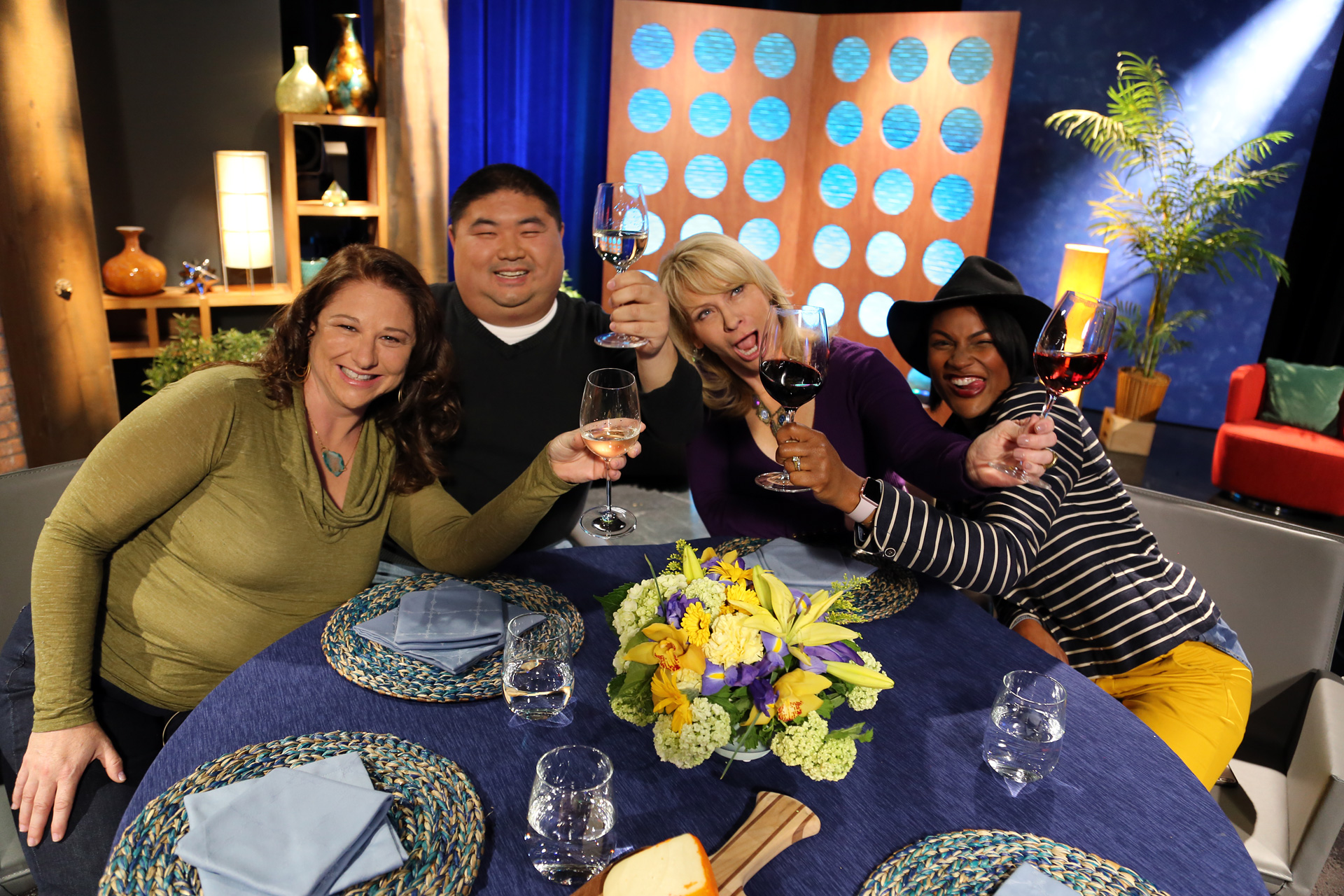 Host Leslie Sbrocco and guests having fun on the set of the episode 15 of season 11.