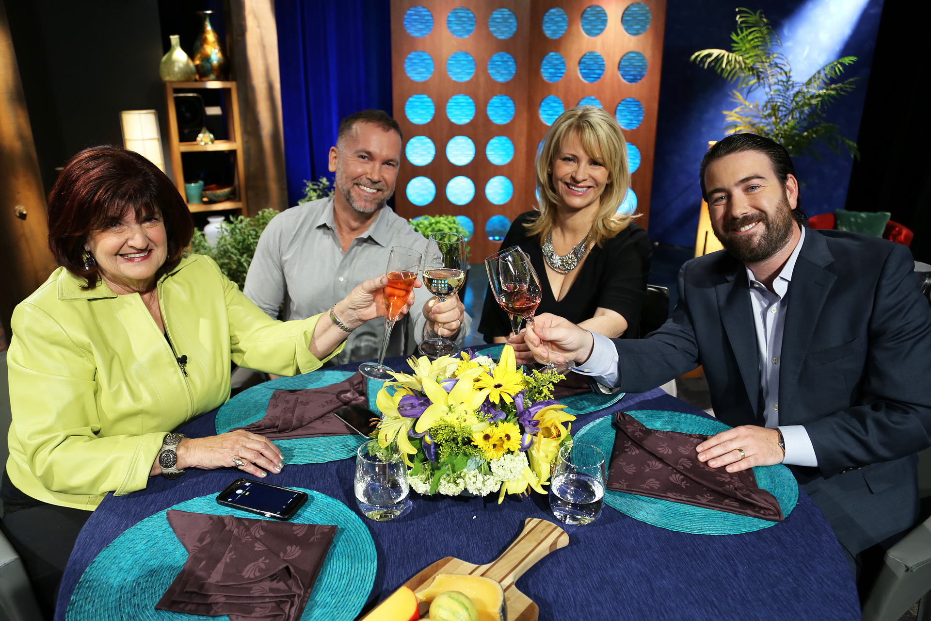Host Leslie Sbrocco and guests on the set of the episode 16 of season 11.