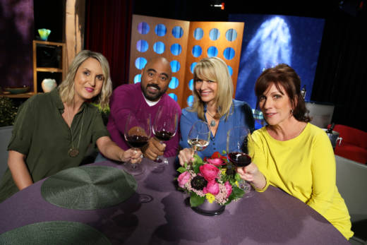 Host Leslie Sbrocco and guests on the set of season 12 episode 19.