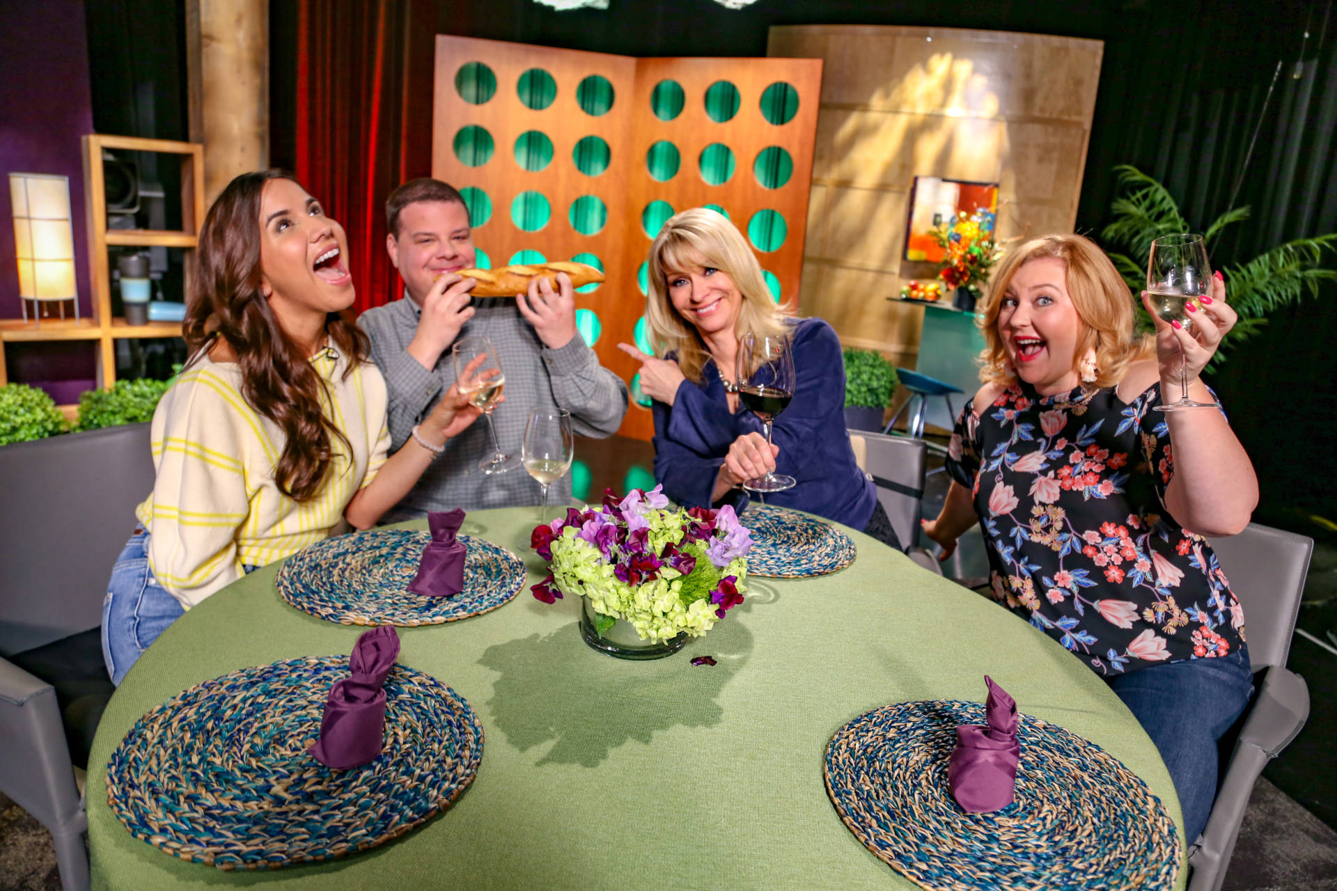 Host Leslie Sbrocco and guests on the set of season 13 episode 13.